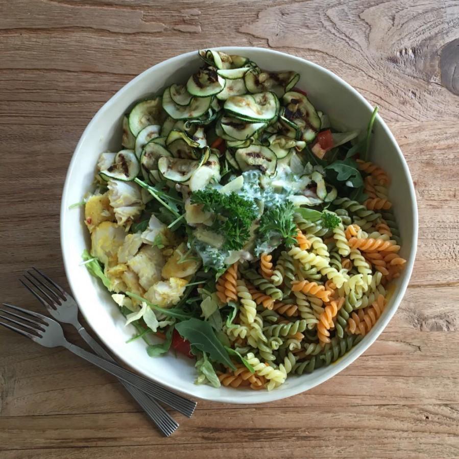 Pasta met gegrilde courgette en pangasiusfilet | FOOD&YOU